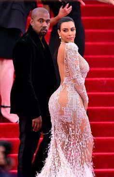 Kanye West Gave Kim Kardashian Thousands of Roses and a String Quartet for Mother's Day Estilo Khloe Kardashian, Kardashian Style, Gala Dresses, Couture Dresses, Dance Dresses, Rihanna, Kim And Kanye, Elegant Dresses For Women, Mixed Martial Arts