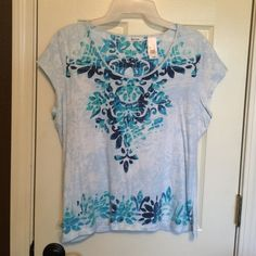 Liz&Co tee Size XL Vibrant blue print tee from Liz&Co. Great with jeans or white. Liz & Co Tops Tees - Short Sleeve