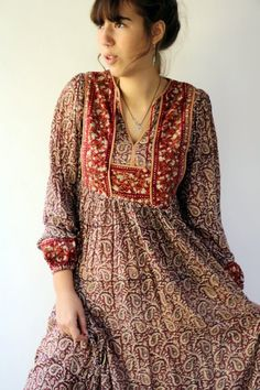 Indian Gauze Dress, Vintage Boho Hippie Hippy Maroon Brown Hand Blocked Paisley Floral Midi Bohemian Cotton Dress // S Vintage Girls Dresses, 1970s Dresses, Dress Vintage, Vintage 70s, Cute Dresses, Casual Dresses, Women's Casual, Party Dresses, 70s Inspired Fashion
