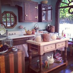 Yes, I made another mini kitchen.1:12 scale dollhouse miniatures by Kim Saulter