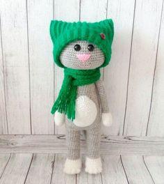 #haken, gratis patroon (Engels), kat met muts en sjaal, amigurumi, knuffel, speelgoed, #haakpatroon, #crochet, free pattern, cat, stuffed toy