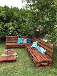 Divanetto con bancali - Divano da esterno con bancali e cuscini - Sofa with pallets - Outdoor sofa with pallets and cushions