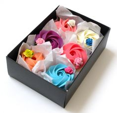 This gift set contains beautifully presented collection of delicate Rosette soaps. Adore them as they are or use as a guest soap. Presented in a dusty pink box. Black box is optional- just let us know when ordering.