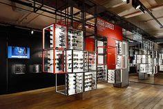 Ray Ban concept store lunettes glasses sunglasses soleil virtual mirror miroir virtuel london londres 5