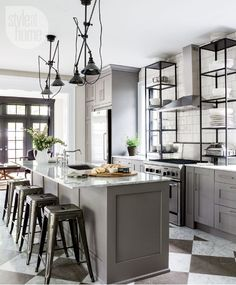 The latest post of the Style at Home magazine featured a beautiful kitchen renovation of a historic Victorian home in Toronto's Beach neighbourhood. Designer Ingrid Oomen was faced with a challenge…