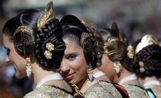 Valencia, Spain, A group of 'falleras' wearing traditional costumes at the start of Las Fallas festival, RM 2019 09 17 Traditional Hairstyle, Spanish Woman, Folk Costume, Costumes, World Cultures, Headgear, People Around The World, Traditional Dresses, Flowers In Hair