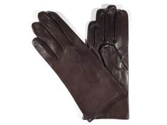 The Zavalita model delivers you the simplicity of our style together in a purist manner. These gloves have a silk lining. The color is cognac brown brown and the button length is a little taller than the wrist. Lambskin Leather, Leather Gloves, Brown Brown, Leather Accessories, Silk, Button, Model, Collection, Color