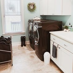 Image may contain: indoor  #Regram via @www.instagram.com/p/B4KZIAnlDE-/ Laundry Room Cabinets, Small Laundry Rooms, Home Hacks, Rustic Design, Improve Yourself, Cool Designs, Home Appliances, Design Inspiration, Layout