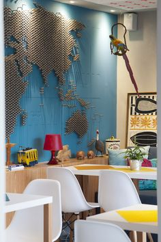 mapa de pregos - DIY? RIOOW HOSTEL . Lagoa Rodrigo de Freitas / PKB + Vital Vinyl Wall Covering, Interior Decorating, Interior Design, French Interior, Inspiration Wall, Cuisines Design, Office Interiors, Retail Design, Office Decor