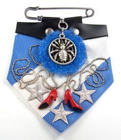 Brooch; Red Shoe Diaries; design Parkwolf Juwelen; Maria van Aar