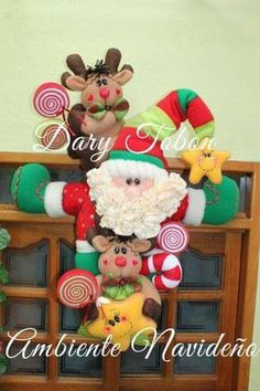 Pin by Sandar Briyitte on navidad Christmas Projects, Felt Crafts, Diy And Crafts, Christmas Crafts, Christmas Ornaments, Mary Christmas, Christmas Sewing, Felt Decorations, Christmas Decorations