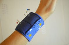 Quick and easy wrist pin cushion with full tutorial!