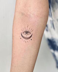 Chakra Tattoo, Ojo Tattoo, Mini Tattoos, Body Art Tattoos, Small Tattoos, Ear Tattoos, Tattos, Best Tattoo Ever, First Tattoo