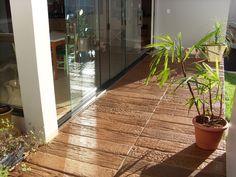 Pisos de concreto, revestimentos comentícios, placas de madeira feitas com concreto