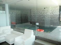 Piscina climatizada. Quiza cuando haga la reforma del cuarto de baño pueda sustituir la bañera por esta piscinita... xD