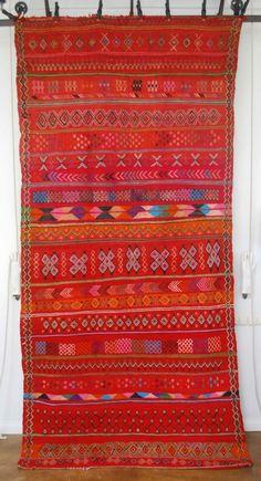 Vintage Moroccan Beni M'guild flatweave kilim carpet 2703 - Products - Red Thread Souk