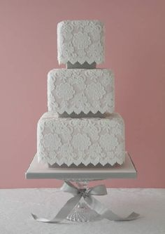 Lacey Wedding Cake with Soft and Feminine Look