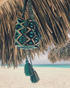 Beach Vibes with this Beauty  Cedral Bag ~ www.chilabags.com