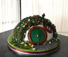 Hobbit Hole on Cake Central