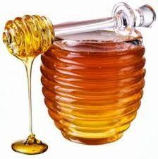 Nappy Diary: Recettes de masques protéinés faits maison:1 jaune d'œuf  - 1 cuillère à soupe de miel  - 1 cuillère à soupe de yaourt  - ½ cuillère à café d'huile d'amande douce  Mélangez les quatre jusqu'à l'obtention d'une pâte homogène et appliquez sur les cheveux en prenant le temps de bien les masser. Laissez agir durant 1h puis rincez abondamment.
