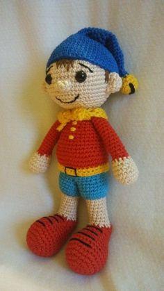 Mesés horgolás - Noddy - Horgolásminták játékosan Crochet Art, Cute Crochet, Crochet Dolls, Baby Knitting Patterns, Crochet Patterns, Amigurumi Doll, Amigurumi Minta, Handmade Toys, Doll Toys