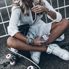 Beach Fun And Summer Looks 2018 : Grey sweater with faded denim shorts silver bracelets, white watch, Fashion Mode, Look Fashion, Autumn Fashion, Womens Fashion, Classy Fashion, Fashion Night, Petite Fashion, 90s Fashion, Korean Fashion