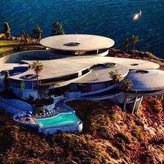 Tony Stark's Residence in the #USA Tag all persons who must see this. All…