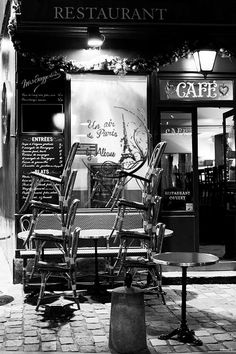 #Montmartre #Paris #black and white by UnAirDeParisByAlbane on Etsy, $14.00