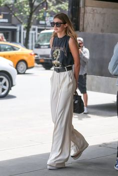 Is Fashion starting to grow into this sophisticated woman, or what? Dressy pants are the new IT look, or trend if you will of 2017 summer. They crept up upon us like a sly spy and we love them even mo Dressy Pants. Are They The New Skirts Of Net Fashion, Look Fashion, Fashion Spring, Bohemian Fashion, Fashion Tag, Womens Fashion, Bohemian Style, Boho Chic, Fashion Beauty