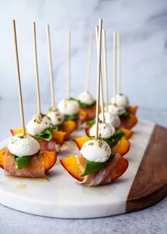 Skewer Appetizers, Appetisers, Yummy Appetizers, Appetizers For Party, Appetizer Recipes, Party Snacks, Appetizer Buffet, Canapes Recipes, Antipasto Skewers