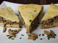 Placinta de post cu ciuperci   CAIETUL CU RETETE Vegetable Recipes, Meat Recipes, Pasta Recipes, Dessert Recipes, Raw Vegan, Vegan Vegetarian, Vegetarian Recipes, Vegan Food, Romanian Food