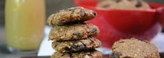Pan Amasado Chileno con Pebre – Mundo de Dulcinea Cookies, Desserts, Food, World, Chocolate Cookies, Breads, Crack Crackers, Tailgate Desserts, Dessert
