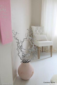 riviera maison,ikea,cobello,hm home,talja,greige,tytön huone,lastenhuone,stockmann,maljakko,oksat,valkoinen,vaaleanpunainen,romanttinen,lastenhuoneen sisustus