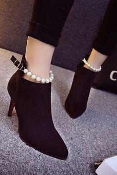 85e1b39d9a402 Bottines noires femme elegantes à bride perlée Bottines Noires Femme, Bottes,  Femme Élégante,
