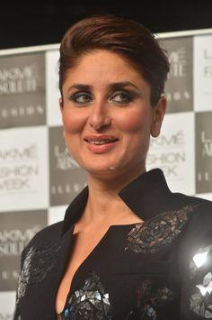 Kareena Kapoor's badass look Bollywood Images, Bollywood Celebrities, Bollywood Actress, Kareena Kapoor Images, Kareena Kapoor Saree, Bollywood Outfits, Bollywood Fashion, Hot Actresses, Indian Actresses