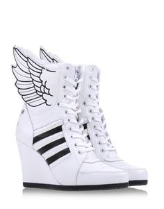 Adidas by Jeremy Scott High-tops Sneaker High Heels, High Top Sneakers, Sneakers Mode, Sneakers Fashion, Fashion Shoes, Sneakers Adidas, Wedge Heels, Adidas Fashion, Fashion Outfits