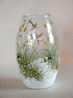 Newest Absolutely Free Clay diy vase Thoughts Simple and Impressive Tricks Can Change Your Life: Boho Vases Diy clay vases posts.Old Vases Flower Wine Bottle Art, Painted Wine Bottles, Hand Painted Wine Glasses, Painted Vases, Wine Bottle Crafts, Beer Bottle, Glass Painting Designs, Vase Design, Clay Vase