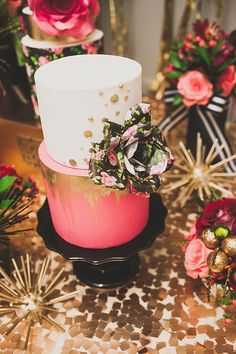 Cake designer, Stevi Auble, creates one of a kind modern cakes. Serving all of Southern California and beyond.