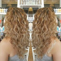 Deep Waves and Blondorexia.  I always tell my clients. Once you bleach your hair lighter you will become Blondorexic. The struggle is real people. True Blondorexic moment.  #OhhNiceHair #aliraehairstylist #behindthechair #hairideas#hairspiration #modernsalon #americansalon #haircut #hair #hairstyle #stylistsupportstylist #stylistconnect #hairoftheday #hotonbeauty #btcpics #azhairstylist #haircut #hairideas #itsallaboutdahair #maneinterest #hairfashion #balayage #babylights