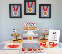 Cute idea for medals made from fruit by the foot & vanilla Oreos...this site has the best kids party ideas...