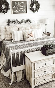 15 Modern Bedroom Design Trends and Ideas in 2020 - Page 28 of 54 Farmhouse Bedroom Decor, Home Bedroom, Bedroom Ideas, Master Bedroom, Bedroom Interiors, Bedroom Small, Master Suite, Modern Bedroom Design, Modern Bedrooms