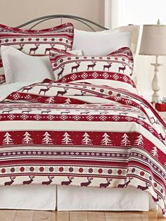 Easy Christmas Decor From simple to amazing Eye Catching pointer to make a delightful and exciting christmas decor ideas . Decor tip shared on this moment 20190219 , exciting post reference 7848714738 Christmas Bedding, Christmas Towels, Cabin Christmas, Christmas Mantels, Christmas Stuff, Christmas Ideas, Country Christmas Decorations, Christmas Tablescapes, Xmas Decorations