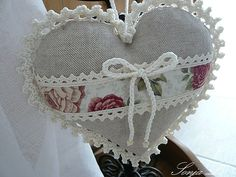 Our home garden . Soft Heart, Lace Heart, Mini Heart, Valentine Decorations, Valentine Crafts, Valentines, Crochet Sachet, Crochet Hats, Fabric Hearts