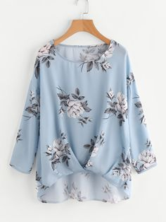 SheIn offers Box Pleated Gathered Hem Flower Print Top & more to fit your fashionable needs. Fashion Pants, Fashion Outfits, Fashion Shirts, Fashion Blouses, Nice Dresses, Casual Dresses, Pleated Fabric, Spring Shirts, Mode Hijab