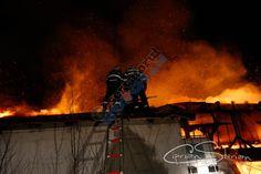 Casa în flăcări la Lipia - https://goo.gl/P0GW4m