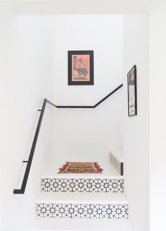 Style inspiration from this casual bohemian bungalow - tiled staircase Tiled Staircase, Tile Stairs, White Staircase, Staircase Ideas, Staircase Wit, Black And White Stairs, Black Railing, Staircase Remodel, Black And White Tiles