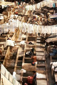 For photographers who want to be inspired, a spectacular and artistic view of the people of Mumbai doing their laundry. Mumbai Laundry, India. Want to know more places to visit in Mumbai, visit theculturetrip.com