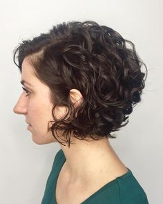 65 Different Versions of Curly Bob Hairstyle Jaw-Length Side-Parted Curly Bob – Farbige Haare Bob Haircut Curly, Angled Bob Hairstyles, Haircuts For Curly Hair, Curly Hair Cuts, Short Hair Cuts, Curly Short, Hairstyle Short, Korean Hairstyles, Latest Hairstyles