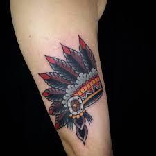 Resultado de imagem para tattoo cocar