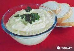Majonézes tojássaláta Lizinka konyhájából | NOSALTY Mashed Potatoes, Pudding, Ethnic Recipes, Desserts, Food, Whipped Potatoes, Tailgate Desserts, Meal, Mashed Potato Resep